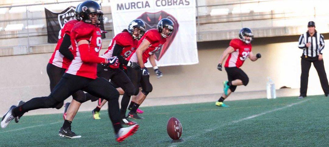 Murcia Cobras gana a Valencia Giants y encabeza invicto el Grupo B (18-45)